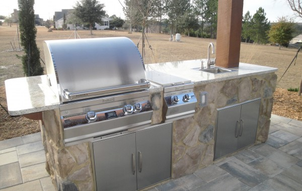Outdoor Kitchens & Fire Pits 3