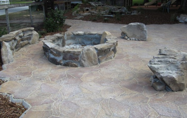 Outdoor Kitchens & Fire Pits 6